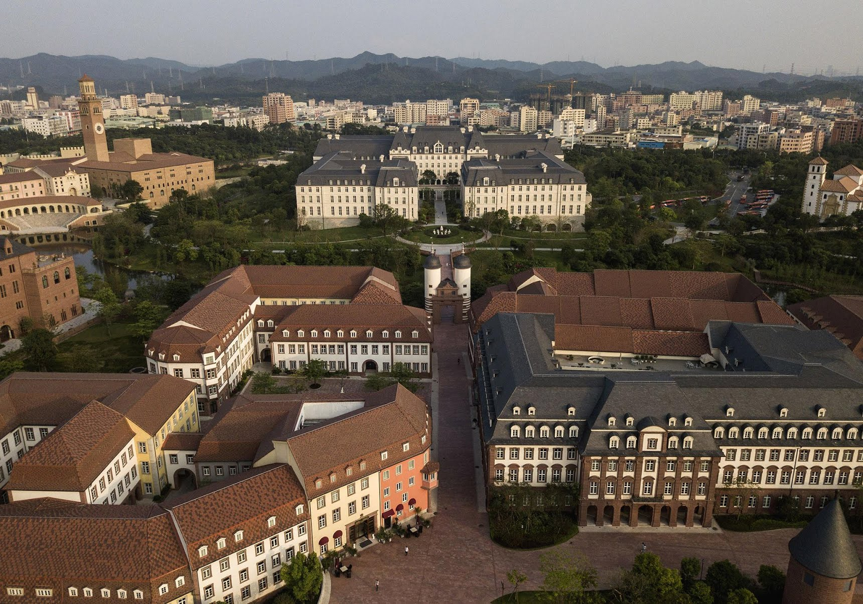 Replika Heidelberg in Huawei City, China